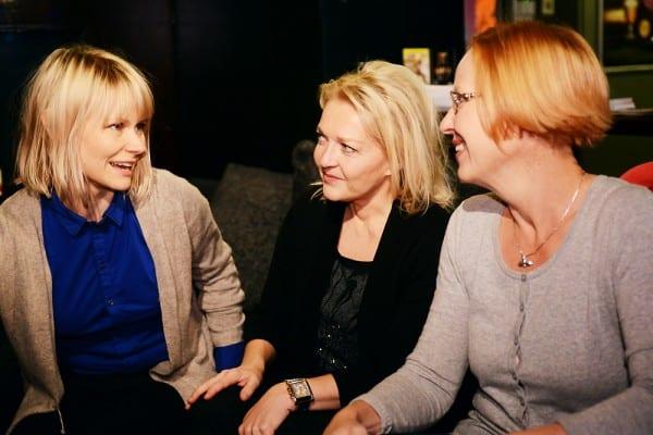 Stipendiaatit Oxfordissa Reuters Instituutissa Britanniassa: Saila Kiuttu ja Anne Achté 2012 - 2013 ja Mimma Lehtovaara 2009 - 2010.