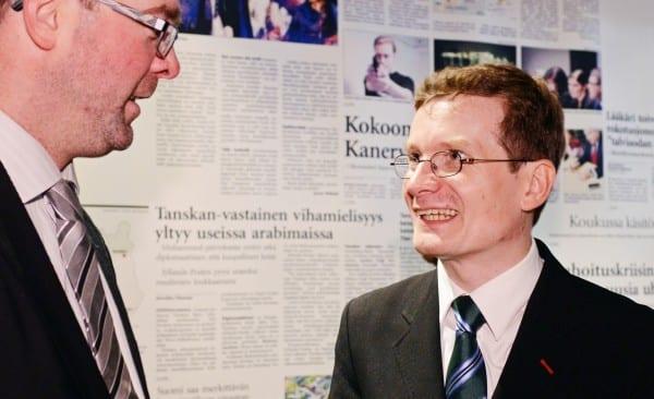 Hallituksen uusi jäsen Ville Pernaa ja uusi puheenjohtaja Kaius Niemi. Valokuva Ida Pimenoff
