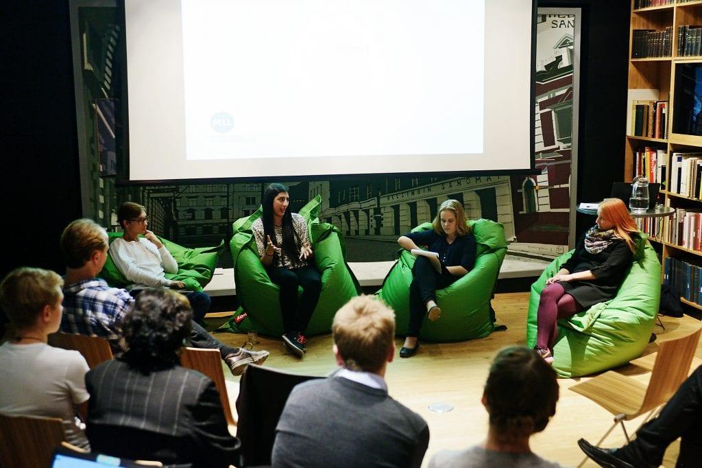 Kuvissa puhujat vasemmalta oikealle: Aleksanteri Lindh, Anna Kristiina Elkhoury, Kerttu Tamminen ja Satu Valkonen.